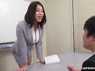 Erika Nishino talks helter-skelter her future would be assistant and fucks him good