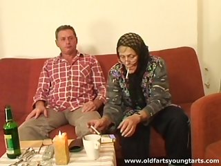 Age-old strengthen loves forth try sex with young amateurs like sexy Zdenka B