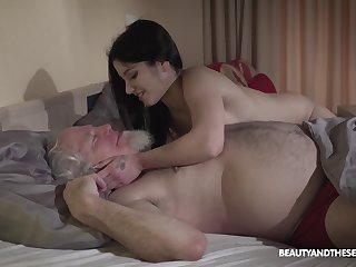 Young wifey Emily Brix is hope be expeditious for sex with old husband early in the morning