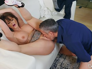 Mature moans hard with endless inches spinning dominant her