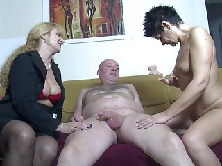 Amateur FFM threesome at home with one cock loving German sluts